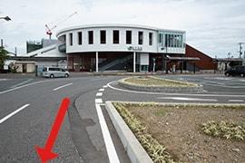 さくら都市 袖ケ浦支店 交通案内(袖ケ浦駅より)1.JR内房線「袖ケ浦」駅南口を背にまっすぐ進む