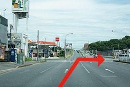 >さくら都市 袖ケ浦支店 交通案内(袖ケ浦ICより)2.道なりに約1.3km進み、神納交差点を右折